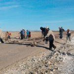 Mantenimiento del camino troncal de Chipaya