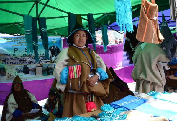 Cambio: Pueblos Uru Chipaya comparten cultura